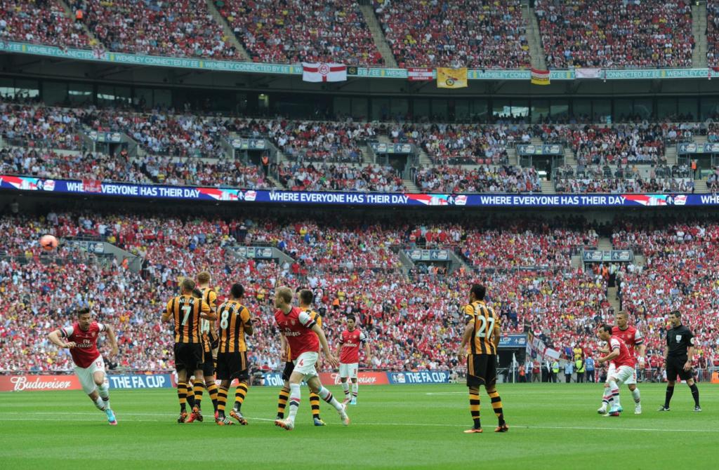 Santi Cazorla - Santi Cazorla Photos - Arsenal v Hull City - FA ...